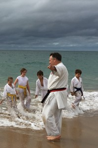 beach training lined on the beach (4)